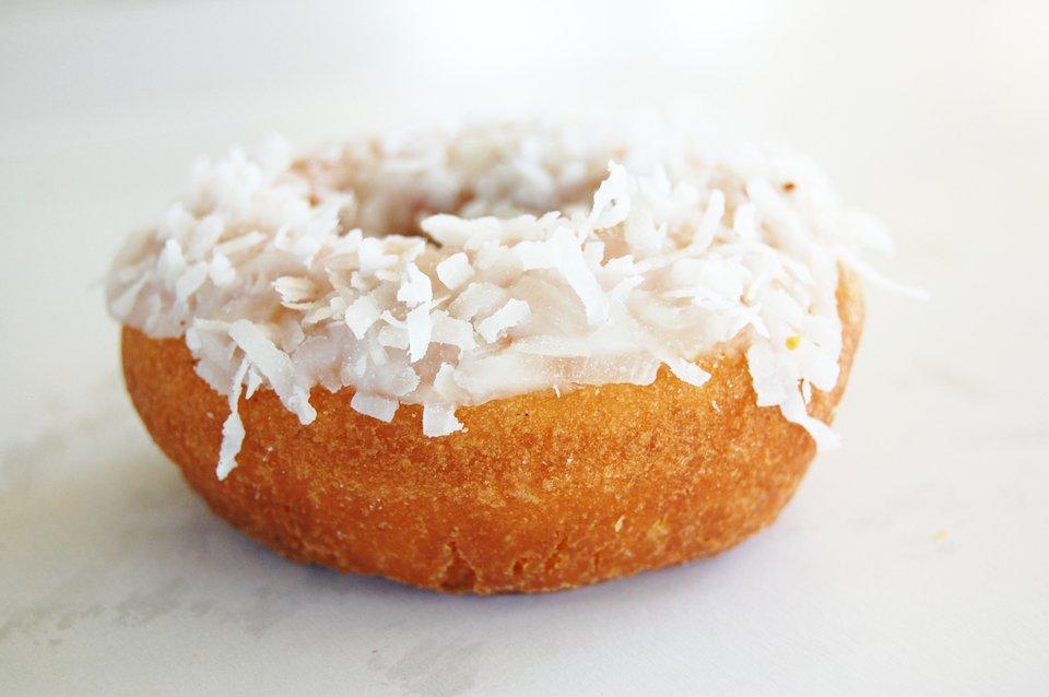 vanilla-coconut-cake